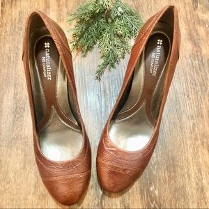 Naturalizer Brown Leather Pumps. Size 10